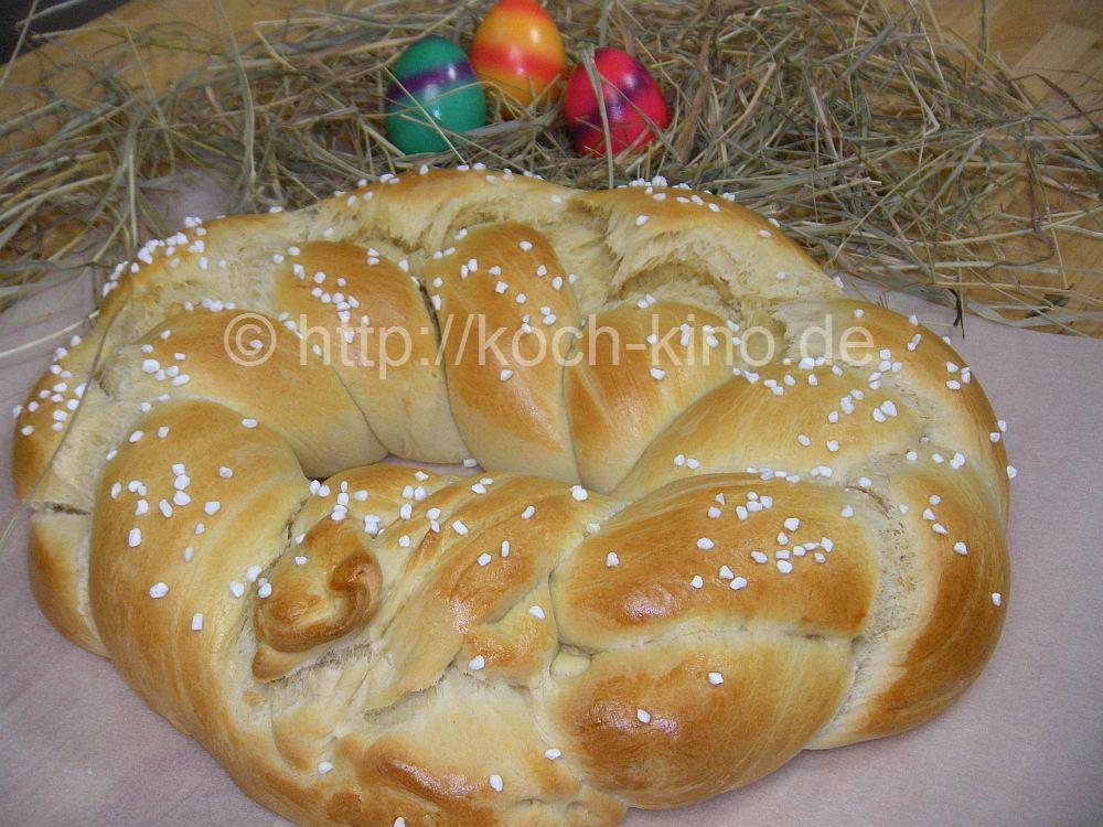 Rezept: Osterkranz mit Marzipan & Rosinen | Oster- Gugelhupf