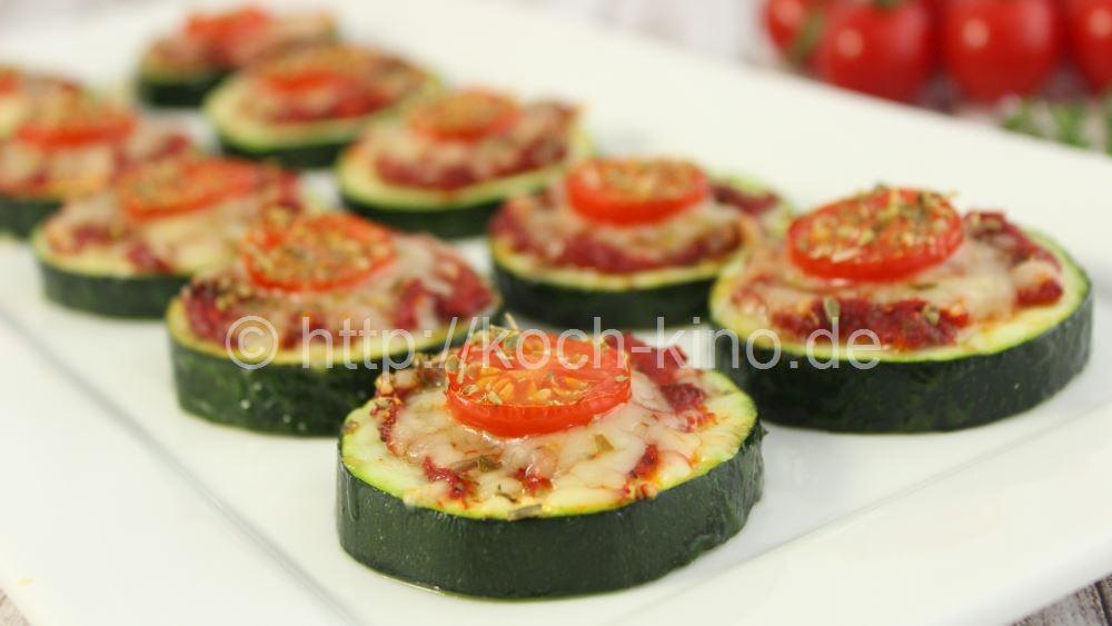 rezept zucchini pizza happen partysnack. Black Bedroom Furniture Sets. Home Design Ideas