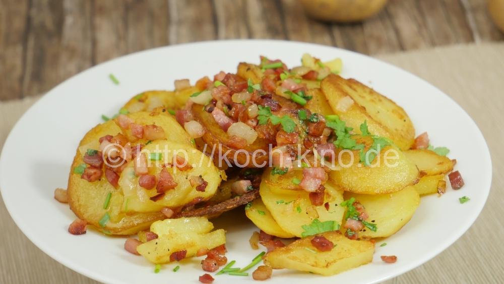 rezept knusprige bratkartoffeln aus gekochten kartoffeln mit speck zwiebeln. Black Bedroom Furniture Sets. Home Design Ideas