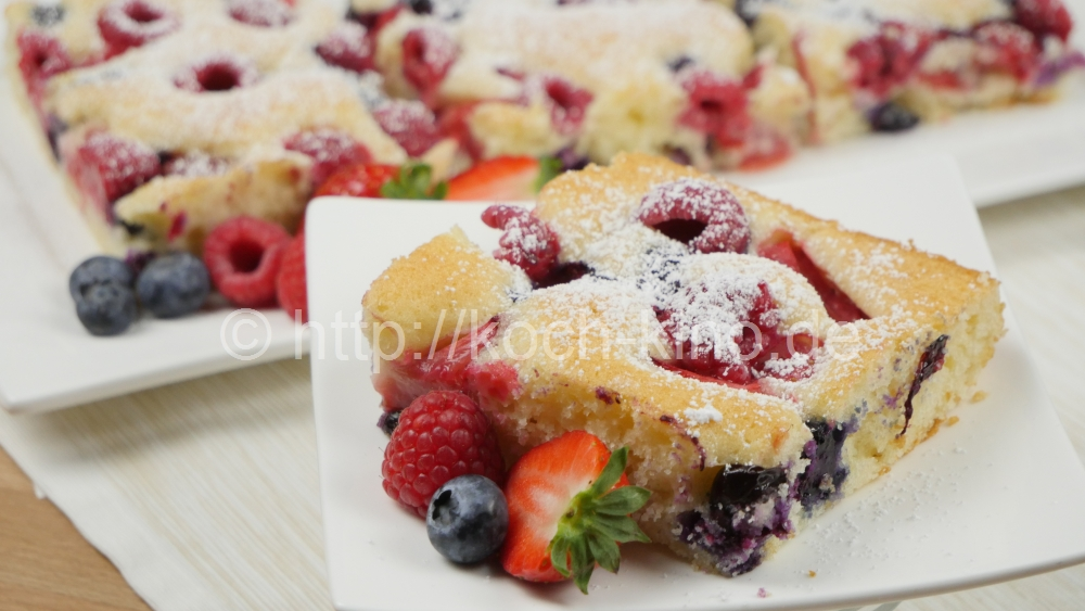Rezept Joghurt Kuchen Mit Frischen Beeren I Blechkuchen I Kuchen