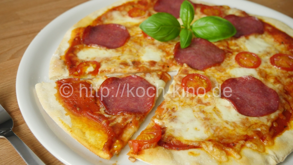 rezept blitz pizza i fertig in 25 minuten i teig sauce. Black Bedroom Furniture Sets. Home Design Ideas