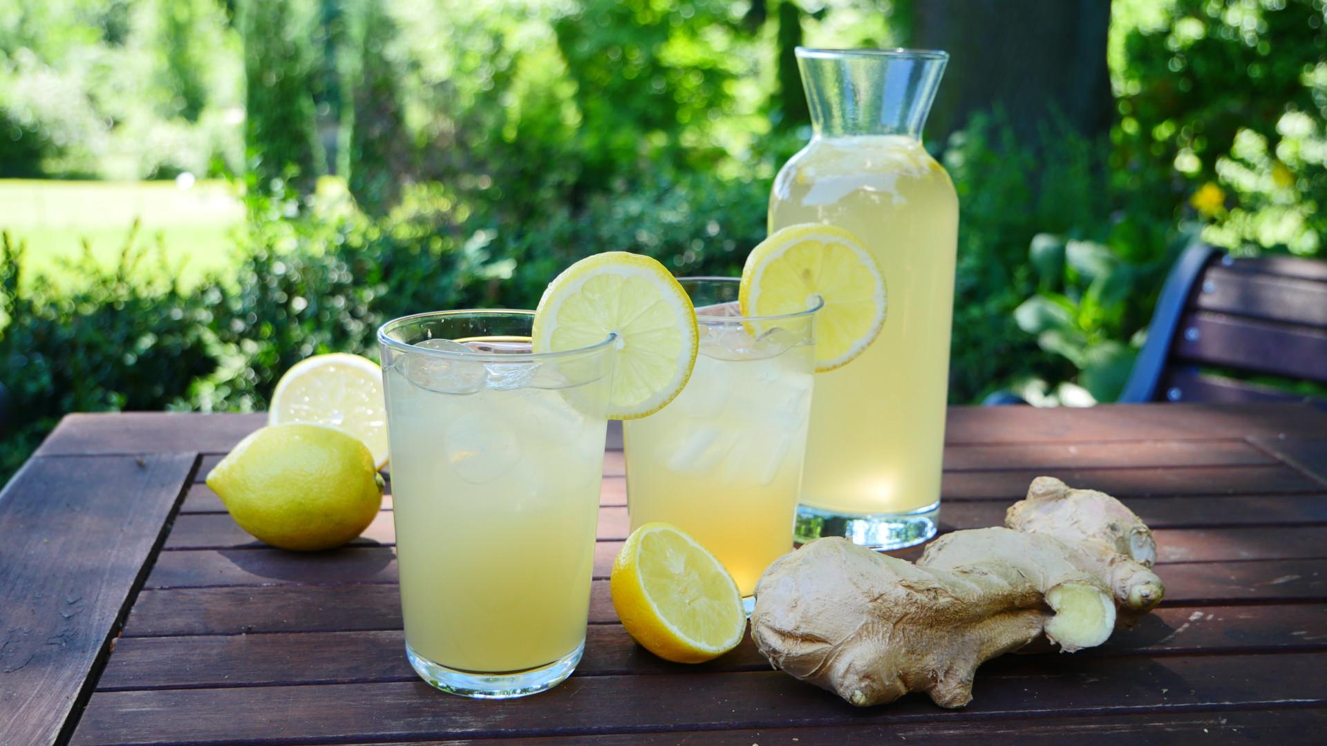 rezept ginger ale selber machen i klassisches ginger ale rezept. Black Bedroom Furniture Sets. Home Design Ideas