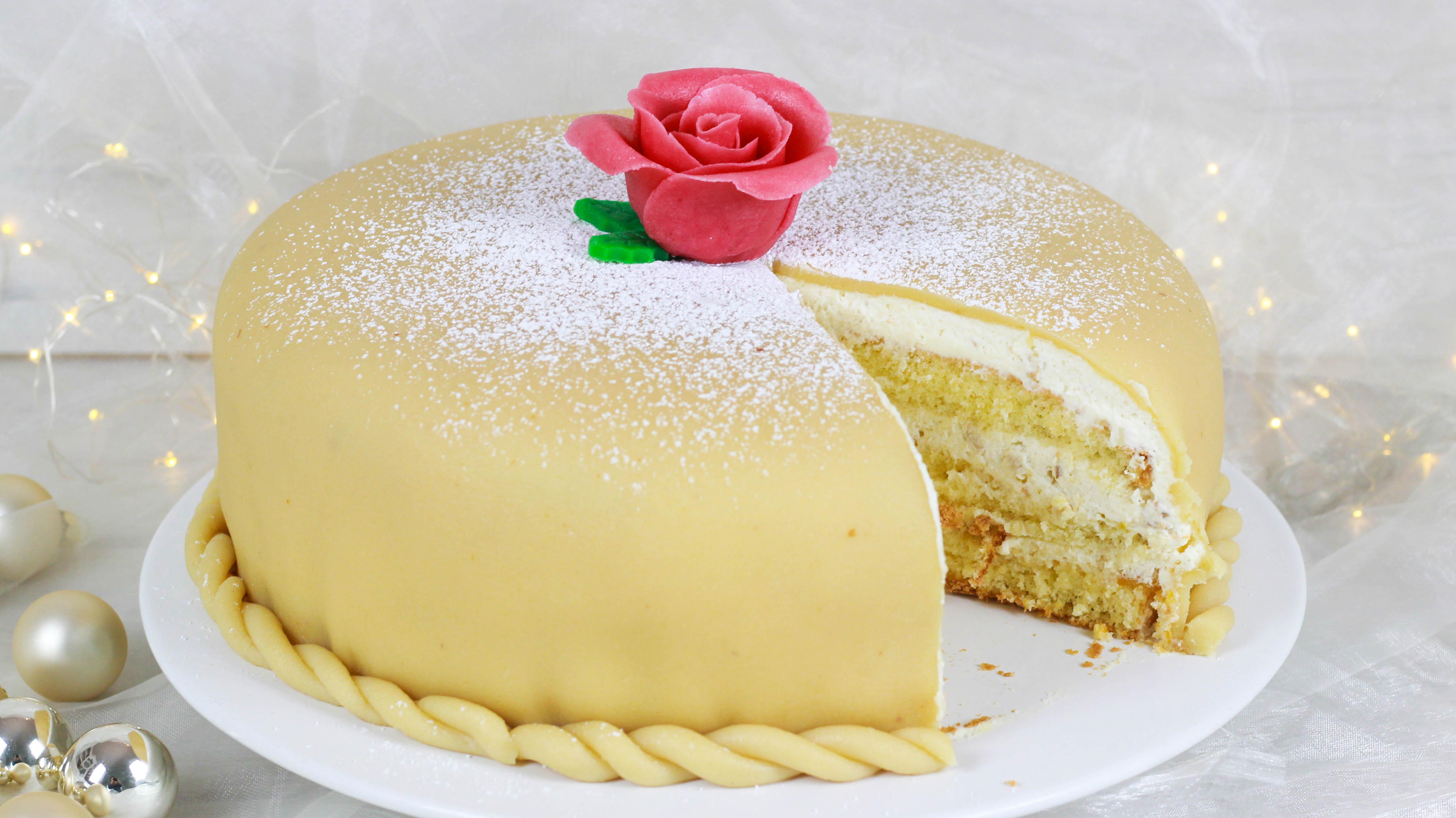 Rezept: Festliche Nougat-Marzipan-Torte I Nikolaus Gewinnspiel